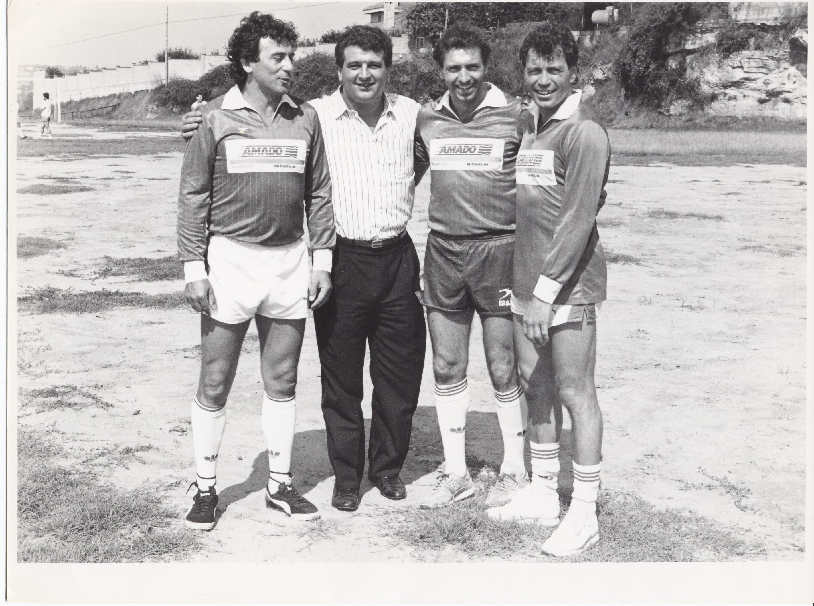 Con la delantera mágica del Sporting del 79, en Gijón, 1990.