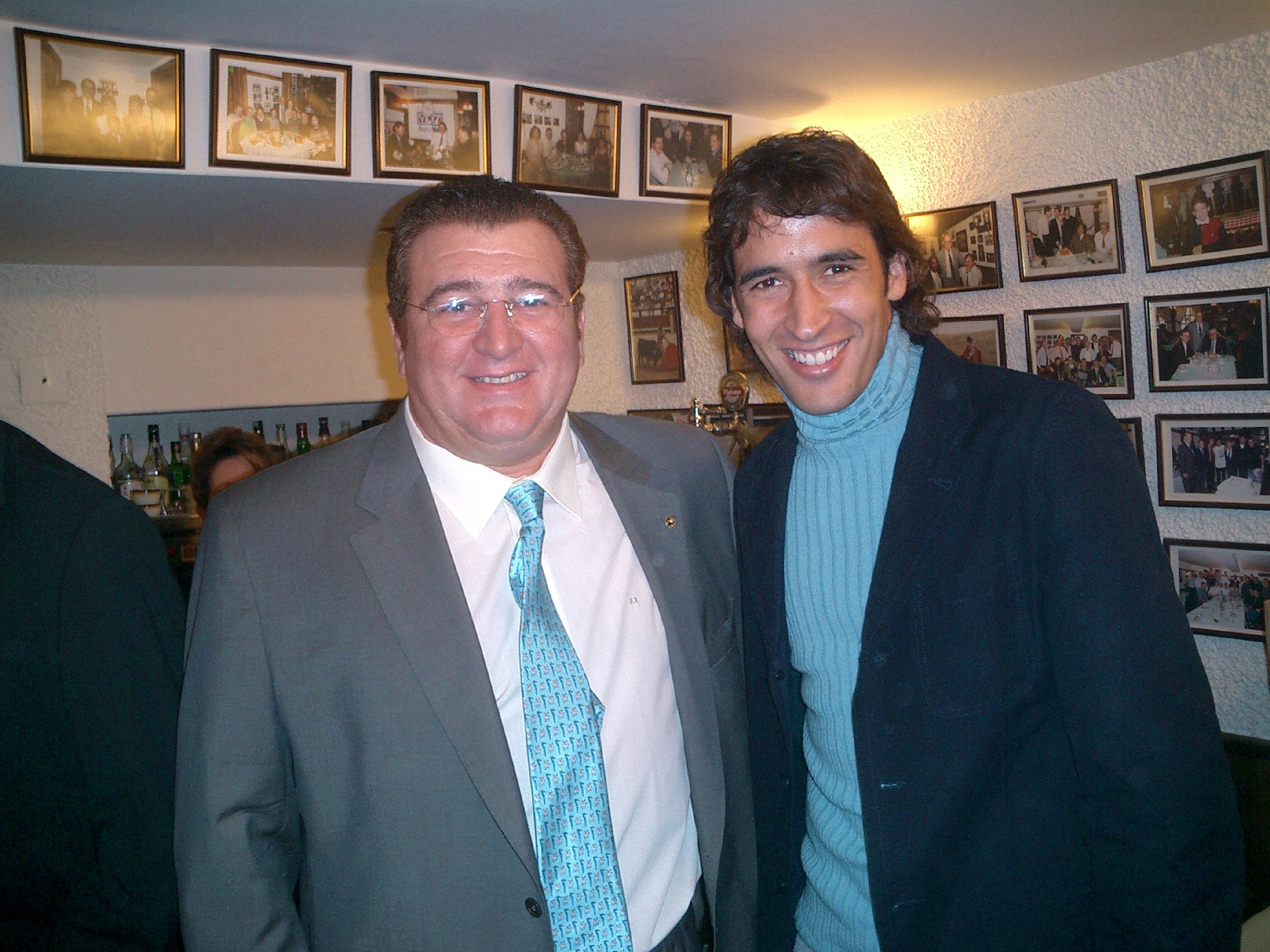 "Con Raúl González Blanco ""Pata Negra""."