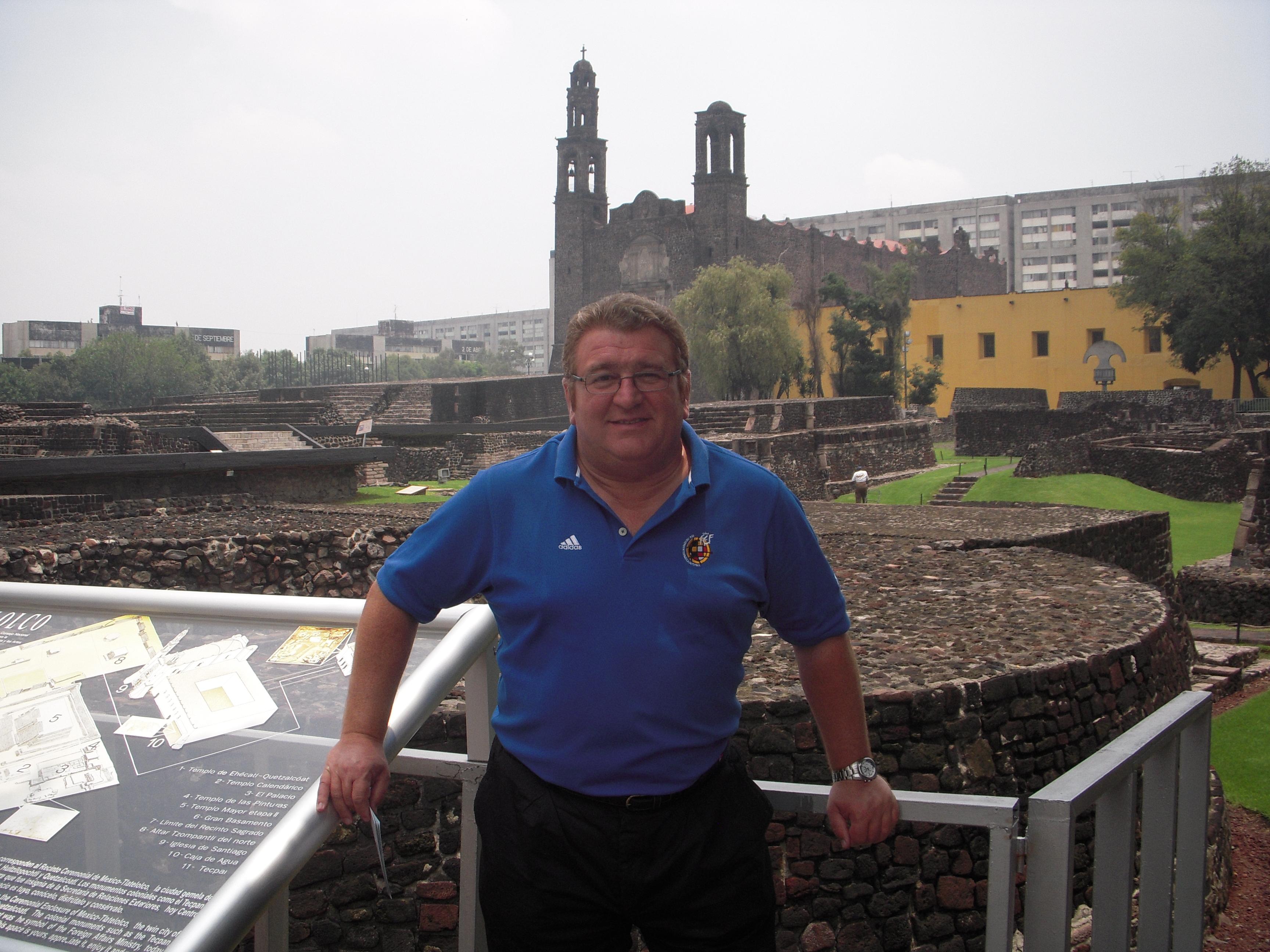En la Plaza de las Tres Culturas, México D.F.