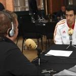 Entrevistando a Sergio Busquets.