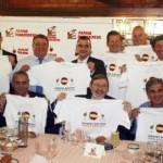 Apoyando la candidatura de España-Portugal.
