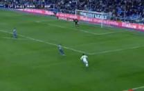 Gol de Raúl. Partido de Liga. Real Madrid – Espanyol