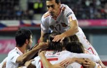 España gana en Praga con autoridad y brillantez (0-2)