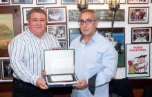 La Peña Gaspar Rosety-Asador Donostiarra nombra Socio de Honor a Alejandro Blanco.