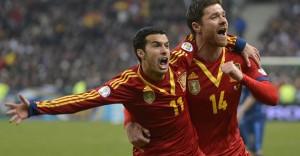 Pedro-marca-gol-victoria-Espana-Francia